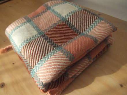 手織りのあったか毛布