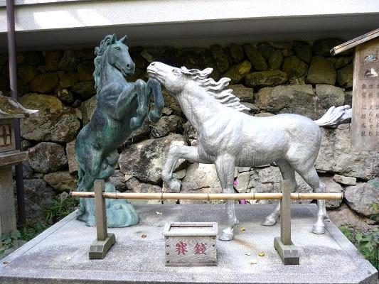 貴船神社‐馬の像