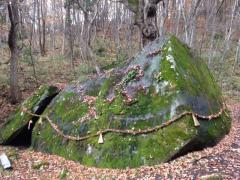 ヒプノセラピー スピリチュアルライフ 丹内山神社 巨石