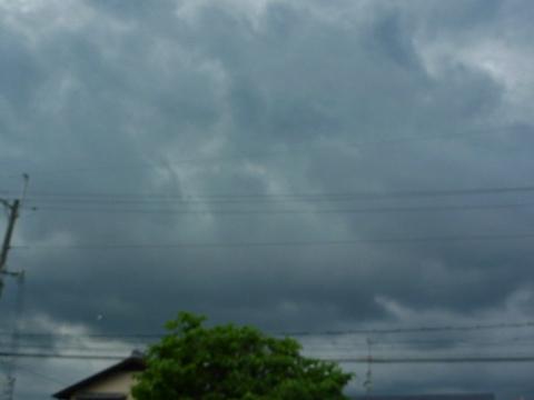 雲行きがあやしくなってきた