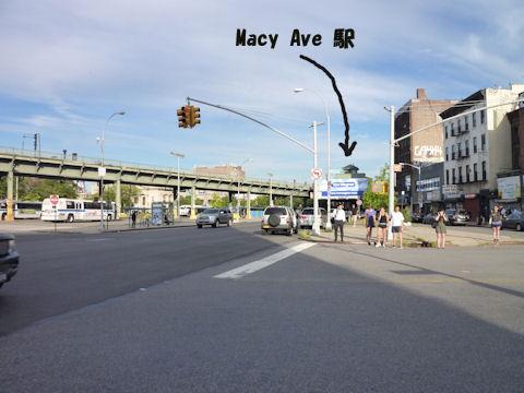 マーシー・アベニュー駅は高架だった