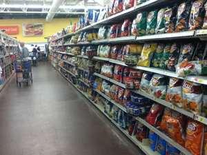 Walmartの店内。
