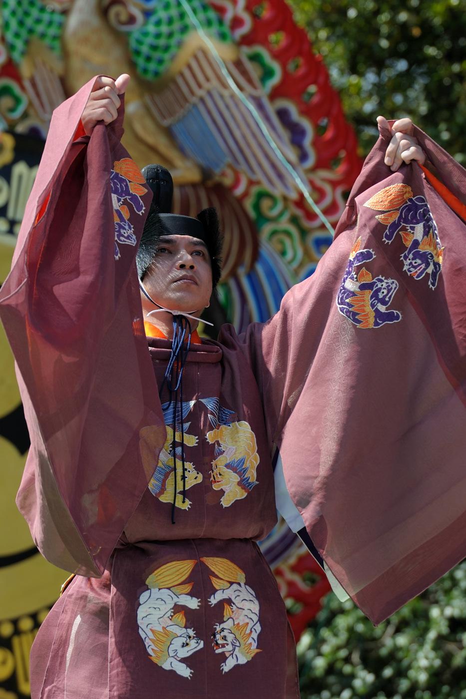 伊勢神宮の春季神楽祭の男性