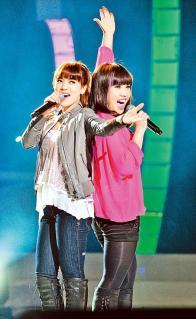 超級星光大道20110123 丁噹+李佳薇 what's up