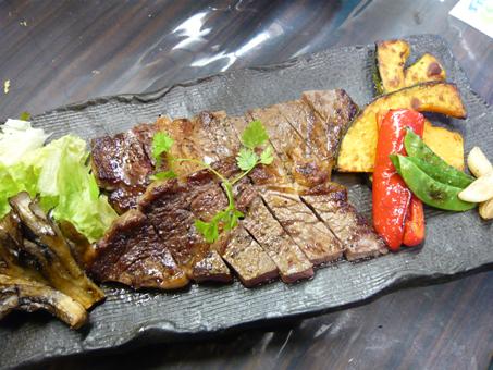 4牛ロースステーキ