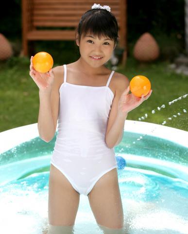 michika_nakano_AG230.jpg