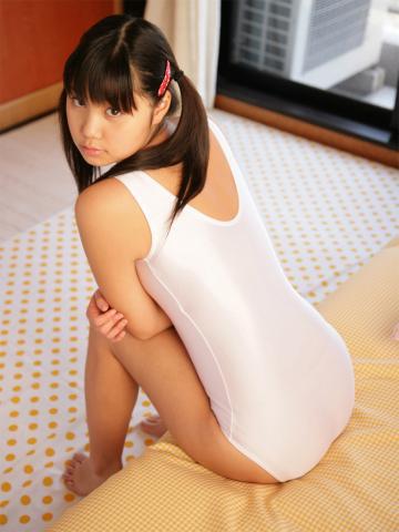 reina_akiyama_op_02_04.jpg