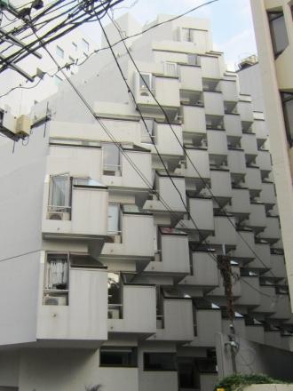 villa moderna ④