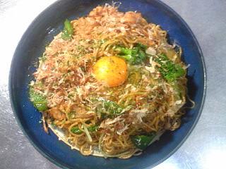 焼ソバ+生卵