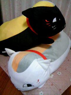 LaLa全サ白黒ニャンコ抱き枕4