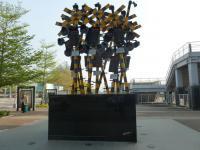 新左營站前広場の踏切オブジェ130206