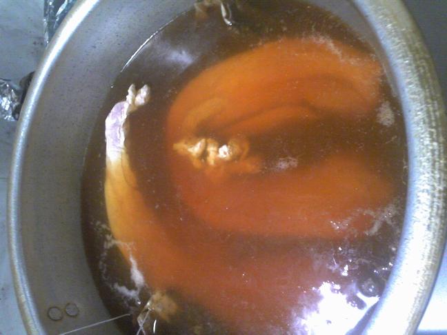 06チャーシュー 肉投入