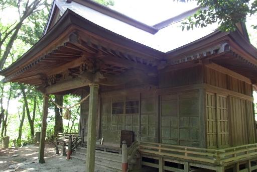 黒前神社拝殿