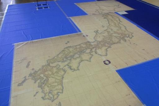 小図3枚からなる日本地図