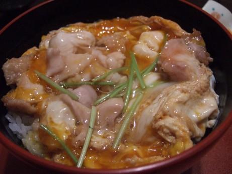 トロトロ半熟卵の軍鶏親子丼