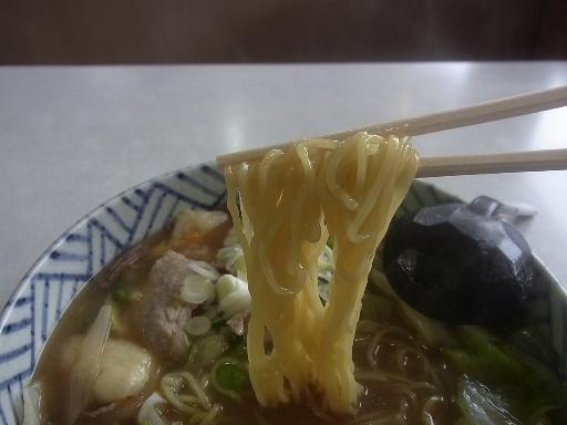ストレートの細麺