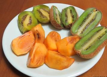キウイと柿フルーツ