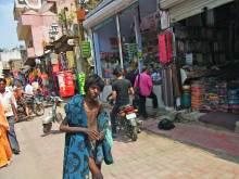 $タンポポライオンのブログ-インドの少年