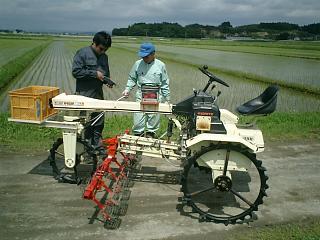 乗用除草機