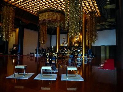 大殿内の阿弥陀仏像