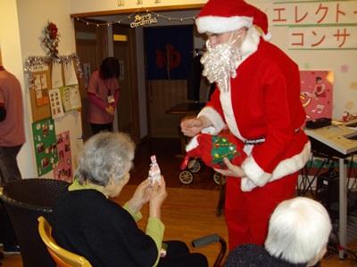 サンタさんがやって来た(2)