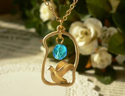 金色の鳥のネックレス青-2