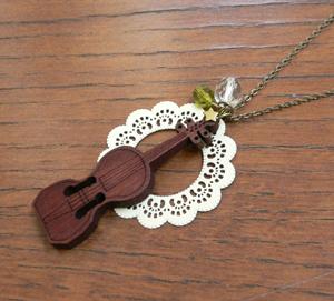 バイオリンネックレス