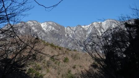 第2堰堤からの石棚山稜 (1)