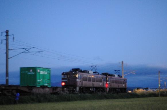 100912油川-赤貨物3
