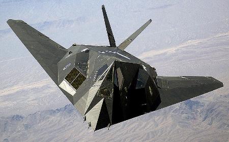 800px-F-117_Nighthawk_Front.jpg