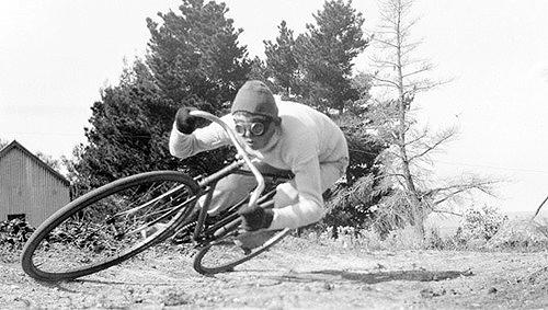 自転車カーブ