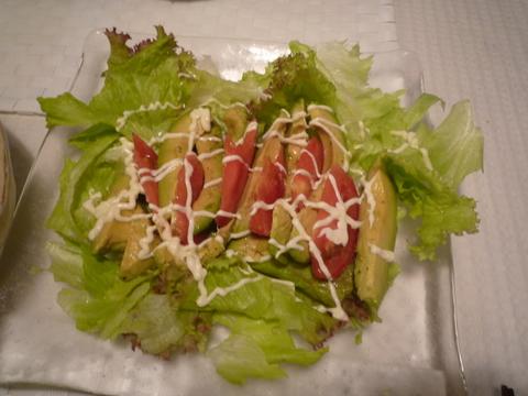 アボガド&トマトのワサビ醤油ドレッシングサラダ