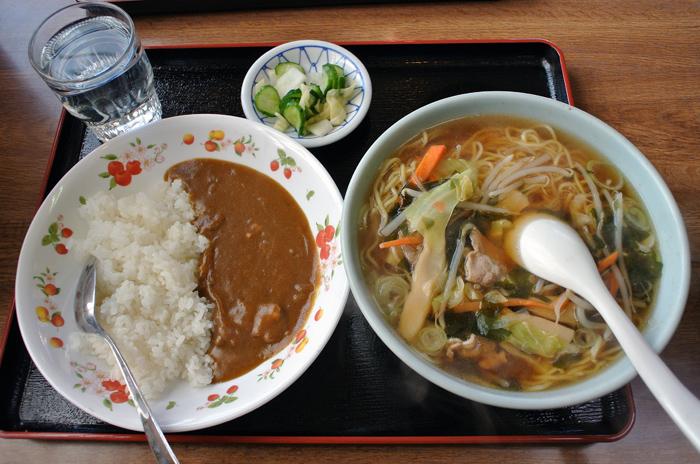 横川食堂@宇都宮市屋板町 醤油ラーメン 半カレー