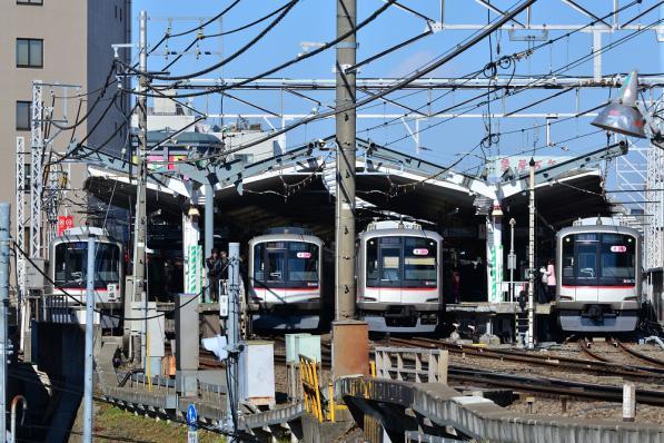 2013年2月16日 東急東横線 自由が丘 5050系4103F・5169F・5161F・5172F