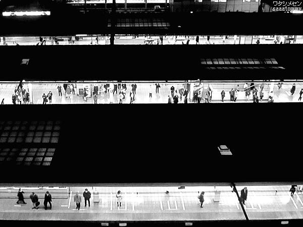 池袋駅 18:15