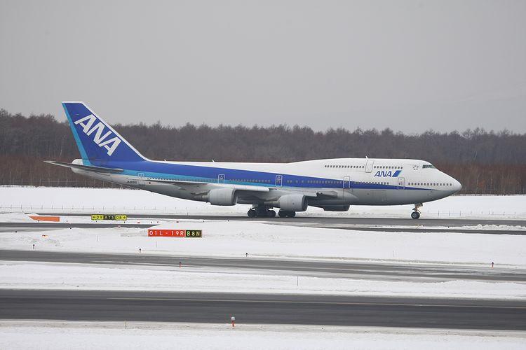 1402新千歳空港① (1075)FC2