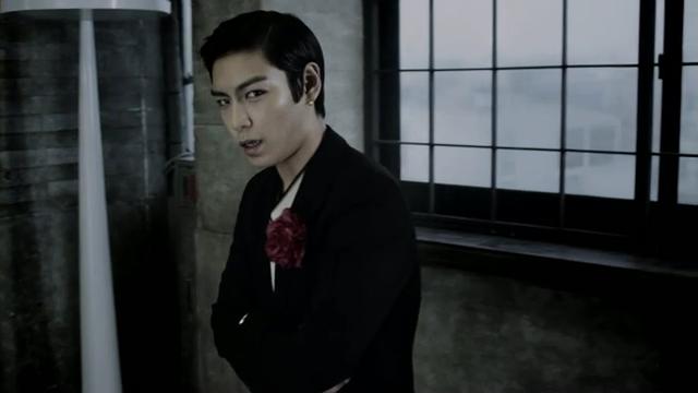 [M V] BIGBANG - BEAUTIFUL HANGOVER [HD].flv_000129696