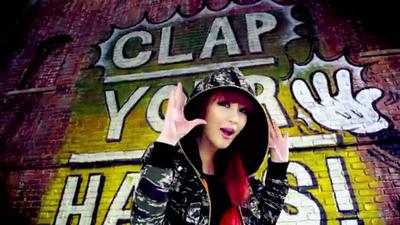 [M V] 2NE1 - Clap Your Hands [HD].flv_000068702