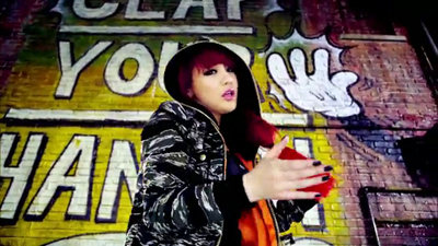 [M V] 2NE1 - Clap Your Hands [HD].flv_000074174