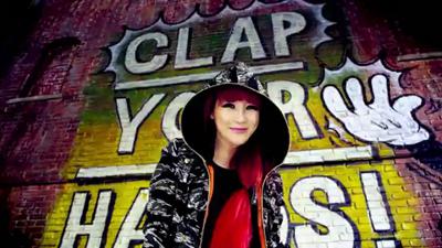 [M V] 2NE1 - Clap Your Hands [HD].flv_000069236