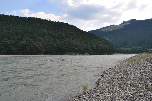大斎原からみた熊野川2