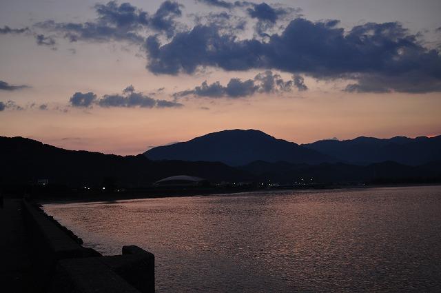 勝浦港の夕暮れ1