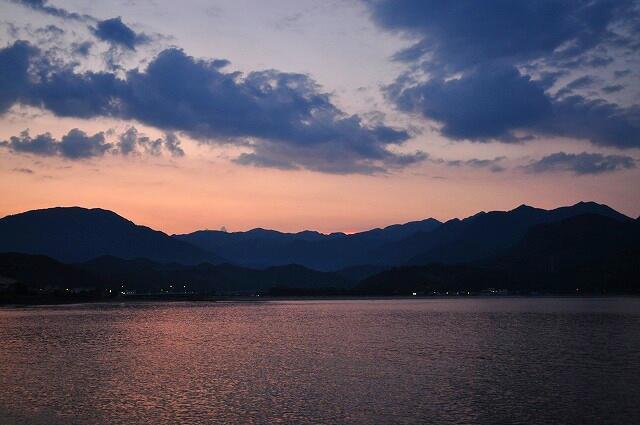 勝浦港の夕暮れ2