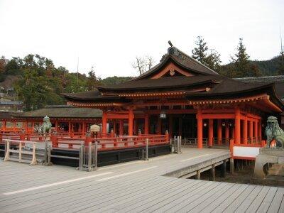 rich plum-厳島神社