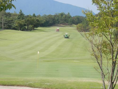18Hfw刈込と刈芝吸込集め作業1