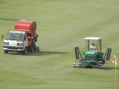 18Hfw刈込と刈芝吸込集め作業2