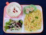 炒飯とシュウマイと中華サラダと杏仁豆腐のワンプレート
