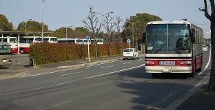 期間従業員らが乗ったトヨタのバス