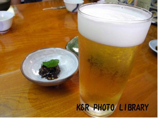 ビールと蕎麦味噌