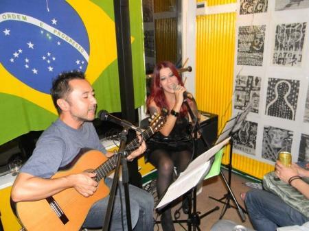 Andrea_cantando